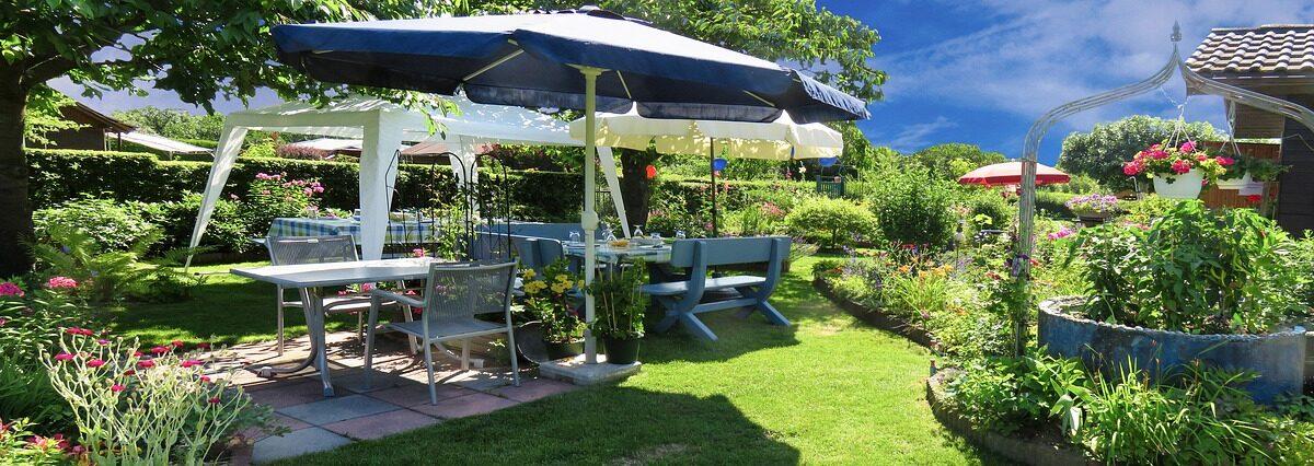 Teak Garden Vs Cast Aluminium Furniture